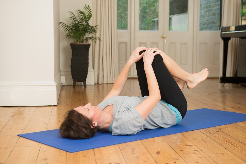 Pain In The Middle Back How To Relieve It With Yoga Movements